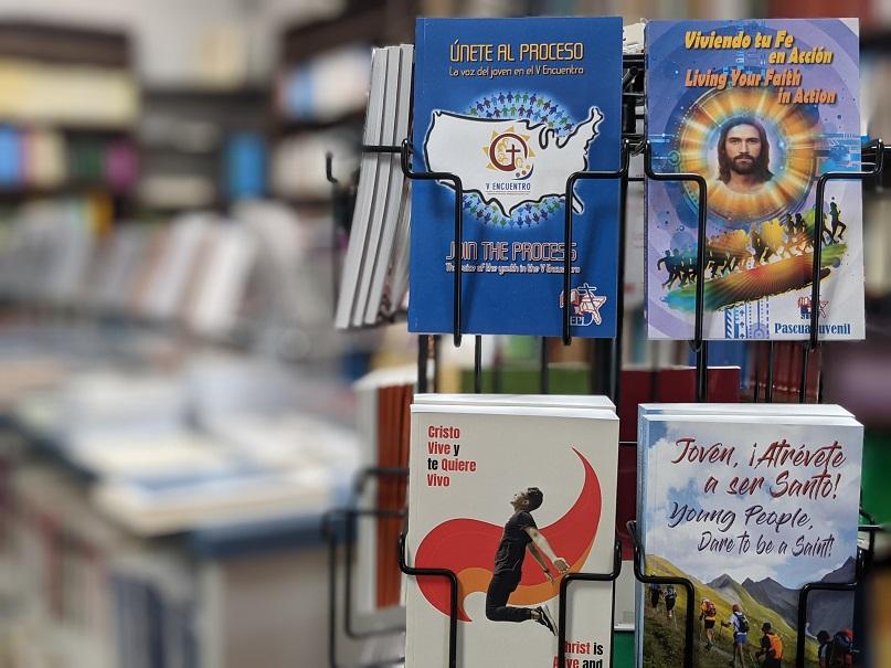 Foto de los libros de la Pascua Juvenil